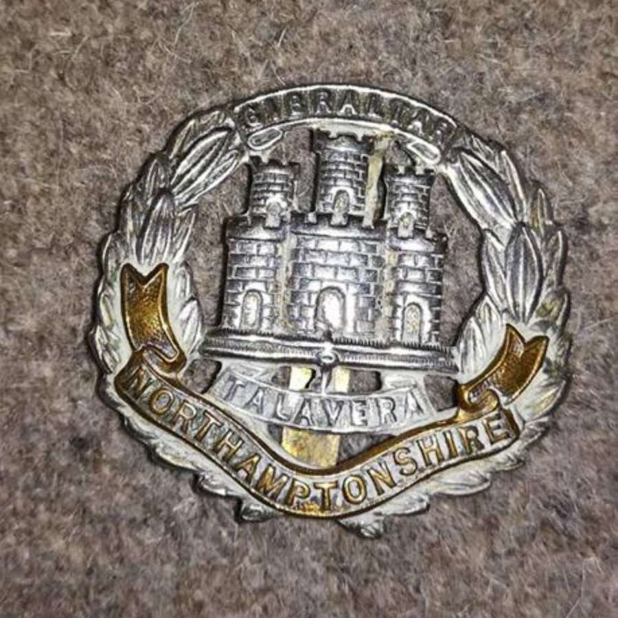 Northamptonshire Regiment Bi-metal Cap Badge