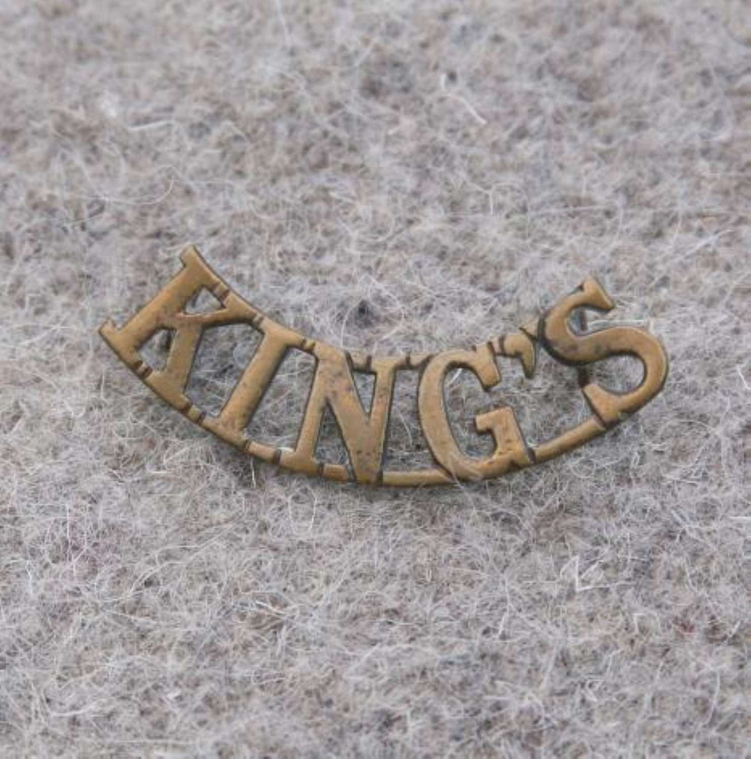 Single King's Liverpool Regiment Brass Shoulder Title