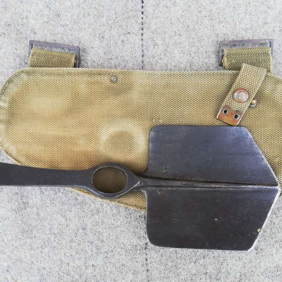 1915 Dated 08 Pattern Entrenching Tool & Carrier