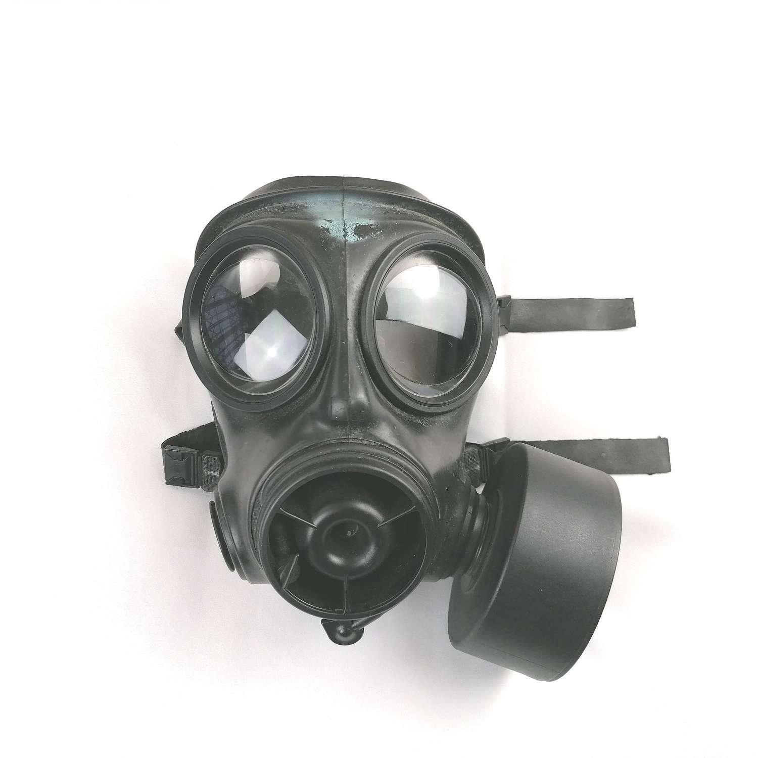 1989 Dated S10 NBC/ CBRN Respirator & Canister
